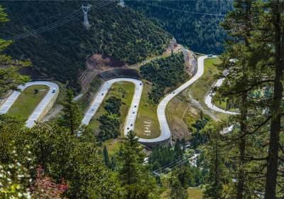 国道318川藏线雅江西俄洛镇康巴汉子村至135中桥段交通管制的通告