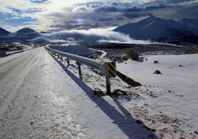 折多山每年几月开始下雪?