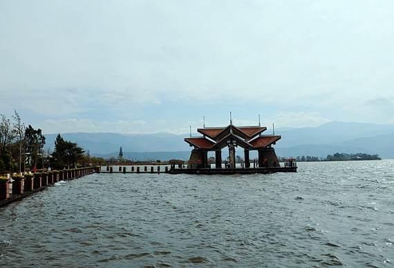 西昌邛海小渔村