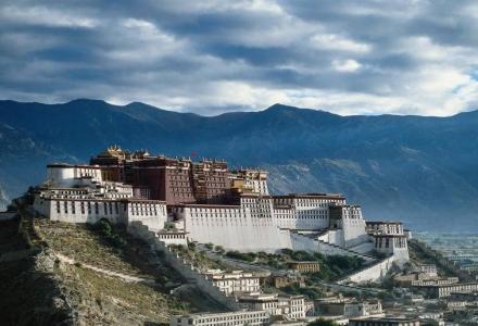 西藏布达拉宫旅游攻略-自驾游路况-门票交通天气景点介绍